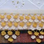 havlu kenarı örnekleri sarı küçük çiçekli dantel