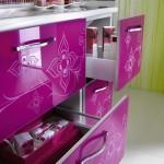 pembe-desenli-mutfak-dolabı