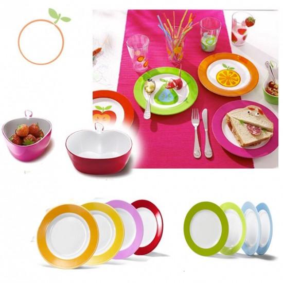 çocuklar için renkli tatlı kahvaltı takımları