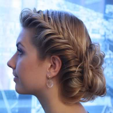 ünlülerin dağınık saç topuz modelleri stilleri