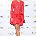 ünlülkerin en trend kırmızı elbiseleri