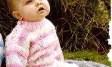 Kız Bebekler İçin Örgü Kazak Etek ve Patik Takımı