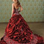 2012 kırmızı gelinlik modeli