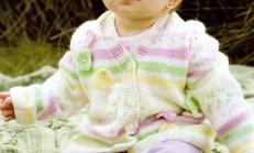 Çiçek Süslemeli Kız Bebek Hırka Modeli