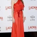 angelina jolie kırmızı elbiseler