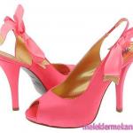 atkılı yüksek topuklu pembe ayakkabı