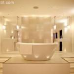 banyoda muhteşem dekoratif ışıklandırma