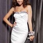 beyaz taşlı straplez elbise modli