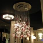 dekoratif avizelerle büyük mekan ışıklandırması