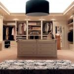 geniş klaasik giyinme odası elbise dolapları örnekleri