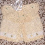 haroşa robalı çiçekli bebek yelek modeli