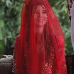 hatice sultan kırmızı gelinlik modeli