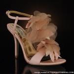 ince topuklu tüylü tokalı ayakkabı