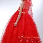 japon modası kırmızı gelinlik modeli