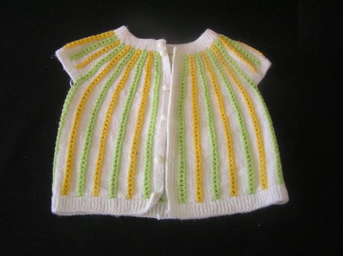 renkli örgü en güzel bebek yelek modeli