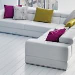 renkli kırlentli beyaz deri l koltuk takımı