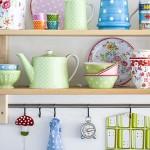 renkli ve farklı mutfak aksesuarları