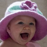 çiçekli pembe bere şapka örneği