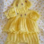 sarı kız bebek elbiseve şapka takımı
