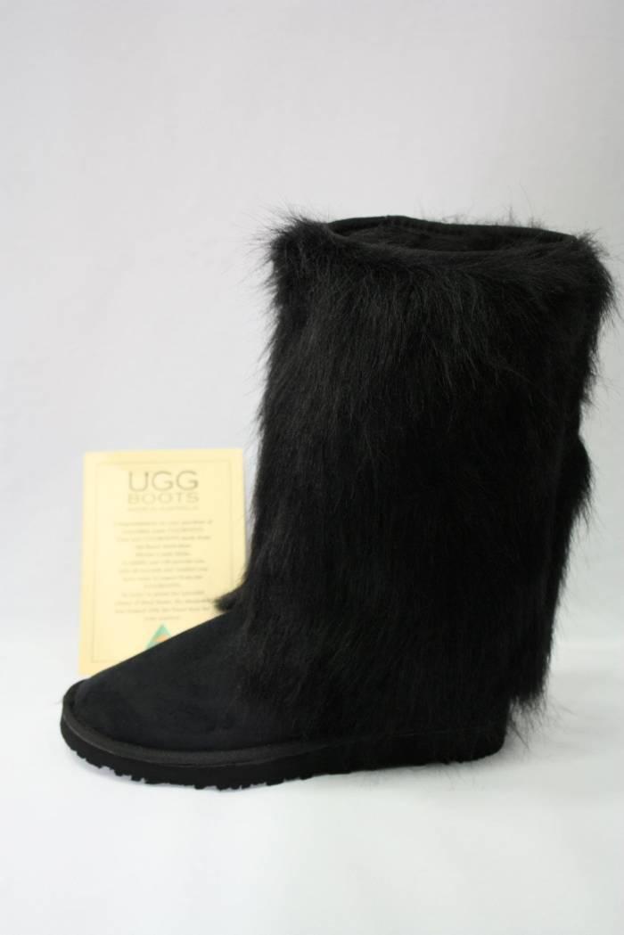 siyah ugg modeli üstü tüylü süet çizme modeli örneği