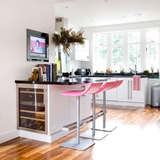 spor modern renkli amerikan mutfak tasarımı
