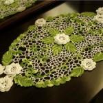 yeşil çiçekli çok şık konsol dantelleri