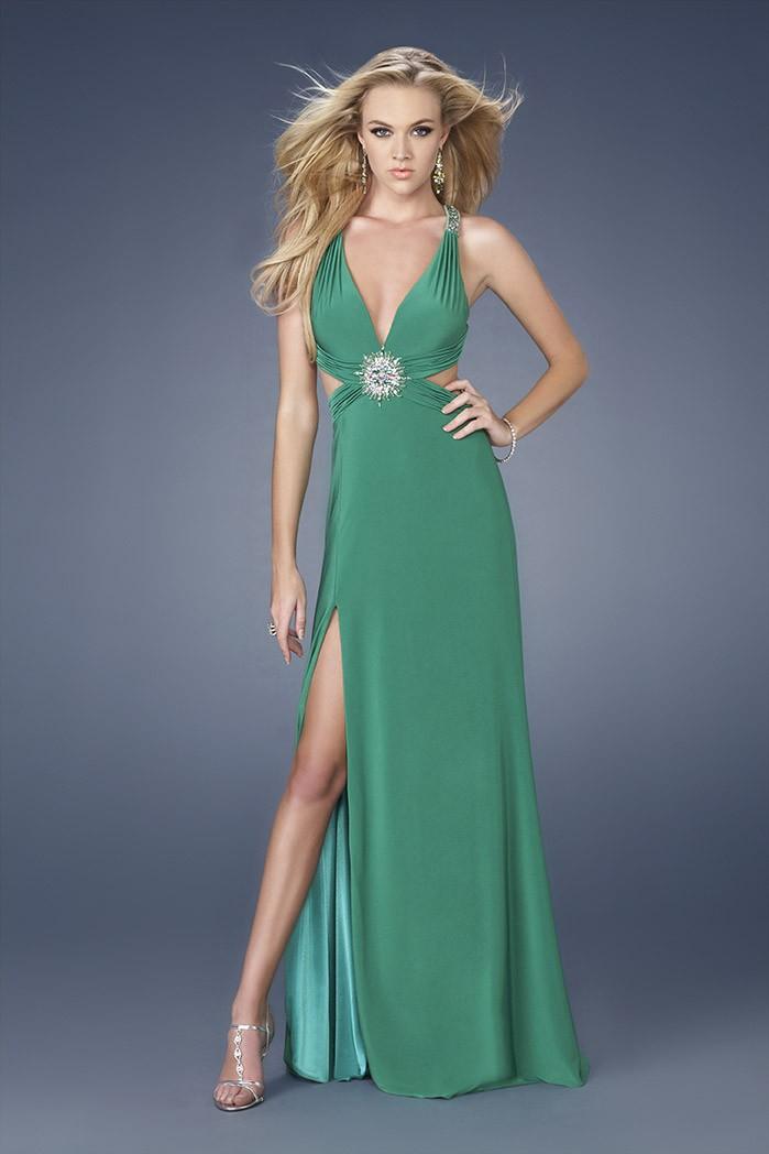 yeşil taşlı derin yırtmaçlı elbise