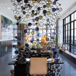 yuvarlak metal cam renkli salon paravan tasarımı