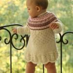 çok şık örgü bebek elbiseleri