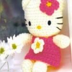 şirin çiçekli üslemeli rengarenk örgü oyuncak örneği