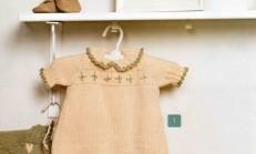 Bej Renkli İşlemeli Örgü Bebek Elbisesi Modeli