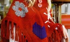 Kırmızı Renkli Püsküllü Çocuk Panço Modeli