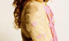 Üzeri İşlemeli Şirin Kız Çocuk Örgü Hırka Modeli