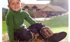 Yeşil Renkli Boğazlı Modelli Erkek Çocuk Kazağı