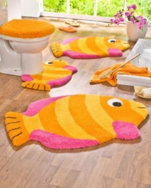 balık desenli sarı pembe klozet takımı örneği