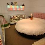 beyaz çok zarif yuvarlak yatak örtüsü