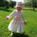 beyaz pembe bebek elbisesi ve şapkası