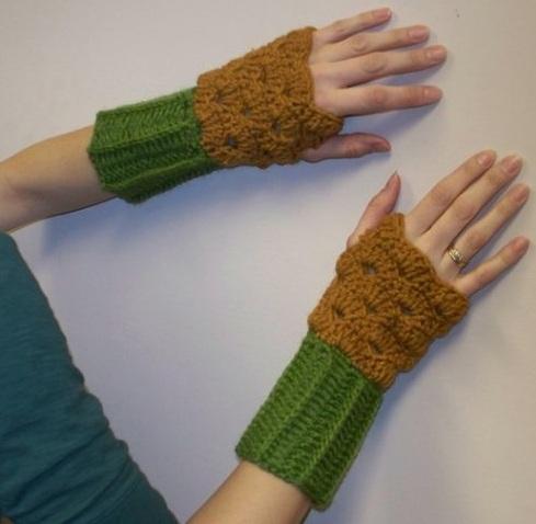 cift renkli el islemeli orgu bayan eldiven modeli