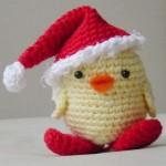 kırmızı noel baba şapkalı sevimli yumurta örneği