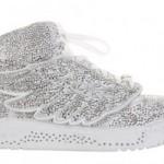 kanatlı taşlı spor ayakkabı resimleri