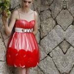 mini kımızı tüllü çiçekli kokteyl elbisesi