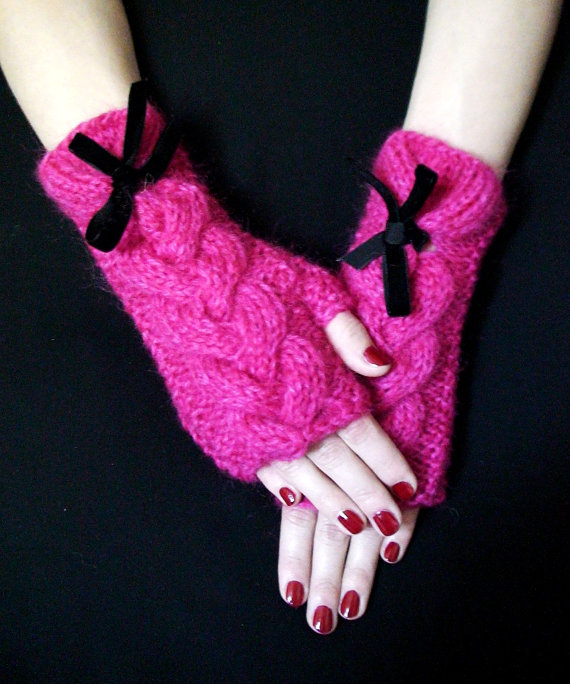 pembe renkli kurdelalı uzun parmaksız eldiven modeli