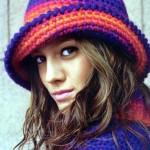 renkli trend tığdan el işi şapka modelleri