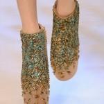 sıra dışı taşlı ayakkabı örnekleri