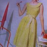 sarı kayık yaka diz de beli kemerlli elbise modeli örneği