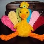 sarı tavuk rengarenk kanatlı kız oyuncak örneği