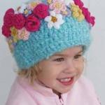 tığ örme rengarenk çiçek motifli bebek beresi