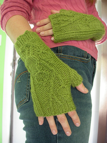 yeşil örgü parmaksız uzun eldiven modeli