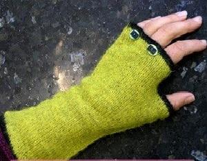 yeşil siyah şiş örgü uzun parmaksız eldiven modeli