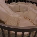 yuvarlak çok süslü bebek yatak örtüleri